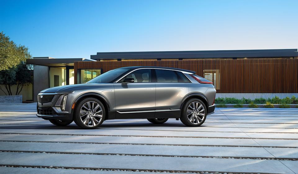 Powered by GM's Ultium battery, Cadillac Lyriq's range will be more than 300 miles on full charge