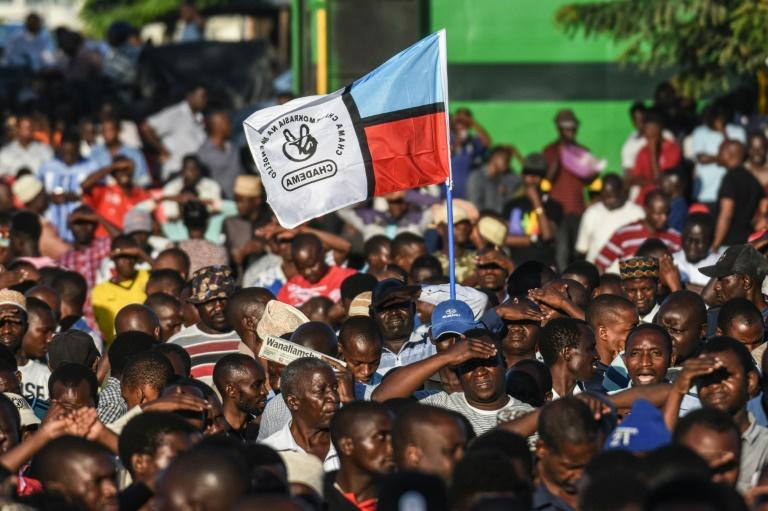 Supporters of Tanzania's Chadema main opposition party at the offical launch of its election campaign