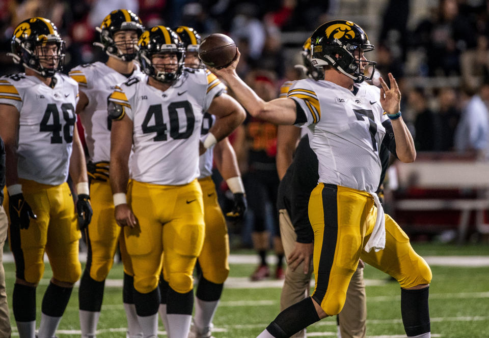 COLLEGE PARK, MD - OCTOBER 01: Iowa Hawkeyes quarterback Spencer Petras (7) warms up before a college football game between the Maryland Terrapins and the Iowa Hawkeyes on October 01, 2021, at Capital One Field at Maryland Stadium, in College Park, Maryland. (Photo by Tony Quinn/Icon Sportswire via Getty Images)