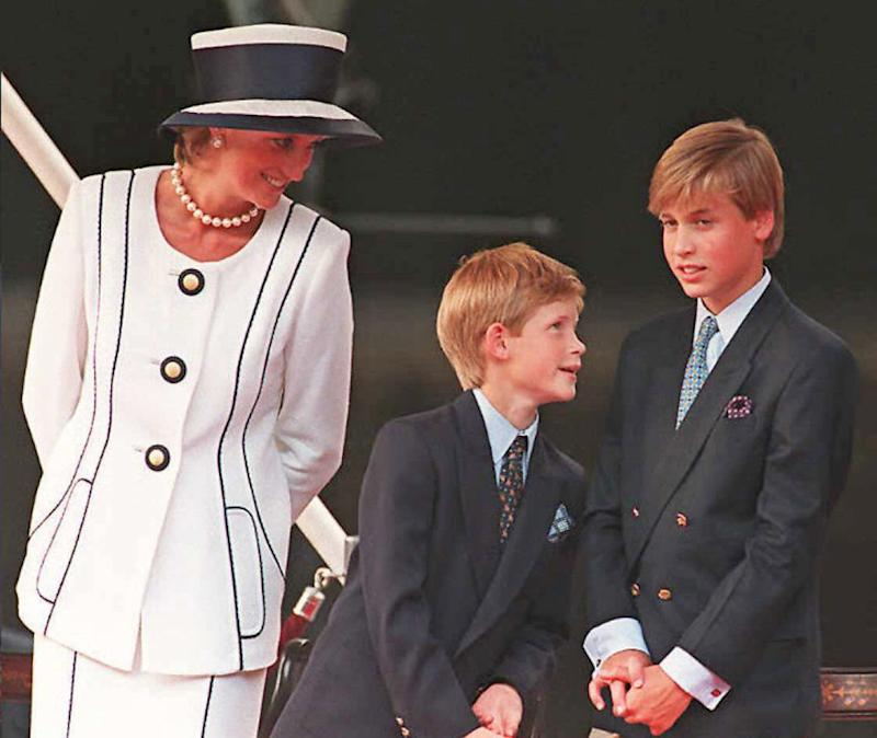 (FILES) Princess Diana (L), Prince Harry, (C) and Prince William (R) gather for the commemorations of VJ Day, 19 August 1995, in London. Prince William turned 25 Thursday 21 June 2007, and in doing so became entitled to part of the multi-million pound (euro, dollar) inheritance left to him by his late mother, princess Diana. The second in line to the throne is now allowed access to the income accrued on the 6.5 million pounds he was left in his mother's will after she died 10 years ago in a car crash in Paris. AFP PHOTO/JOHNNY EGGITT/FILES (Photo credit should read JOHNNY EGGITT/AFP via Getty Images)