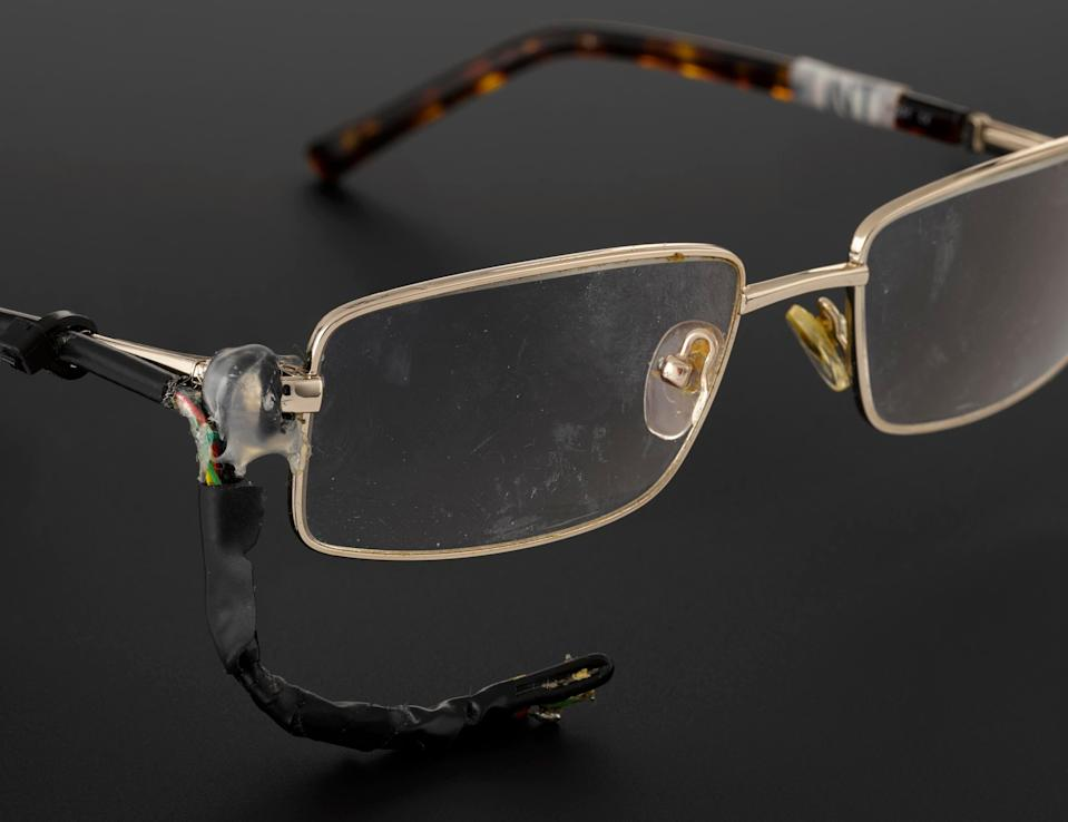 Tortoiseshell spectacles with analogue sensor (science museum)