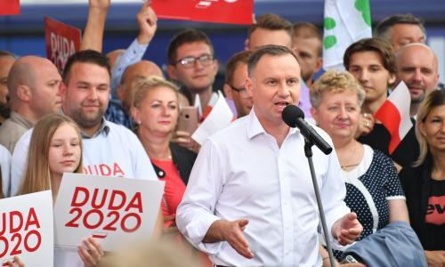 Poland set for 'dirty' political campaign before presidential run-off