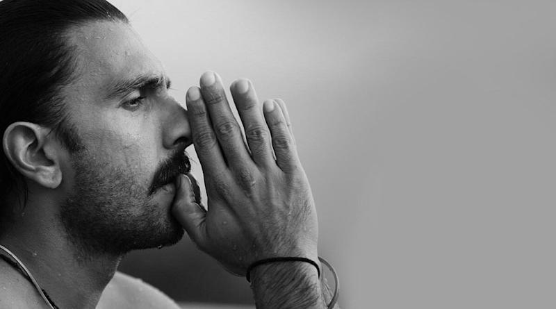 Ranveer Singh Treats Internet With Some Intense Hot Pictures On a Mid-Week Morning!