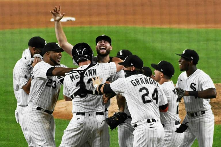 White Sox ace Giolito throws first no-hitter of 2020