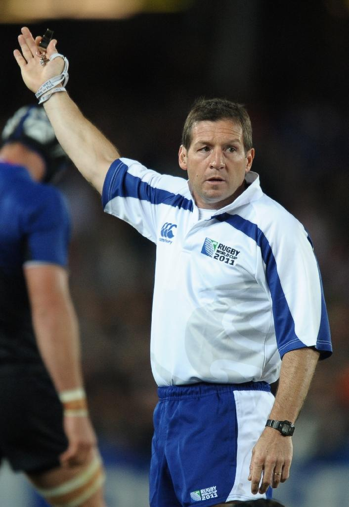 Referee Alain Rolland during the 2011 Rugby World Cup semi-fianl between Wales and France at Eden Park in Auckland on October 15, 2011 (AFP Photo/Paul Ellis)