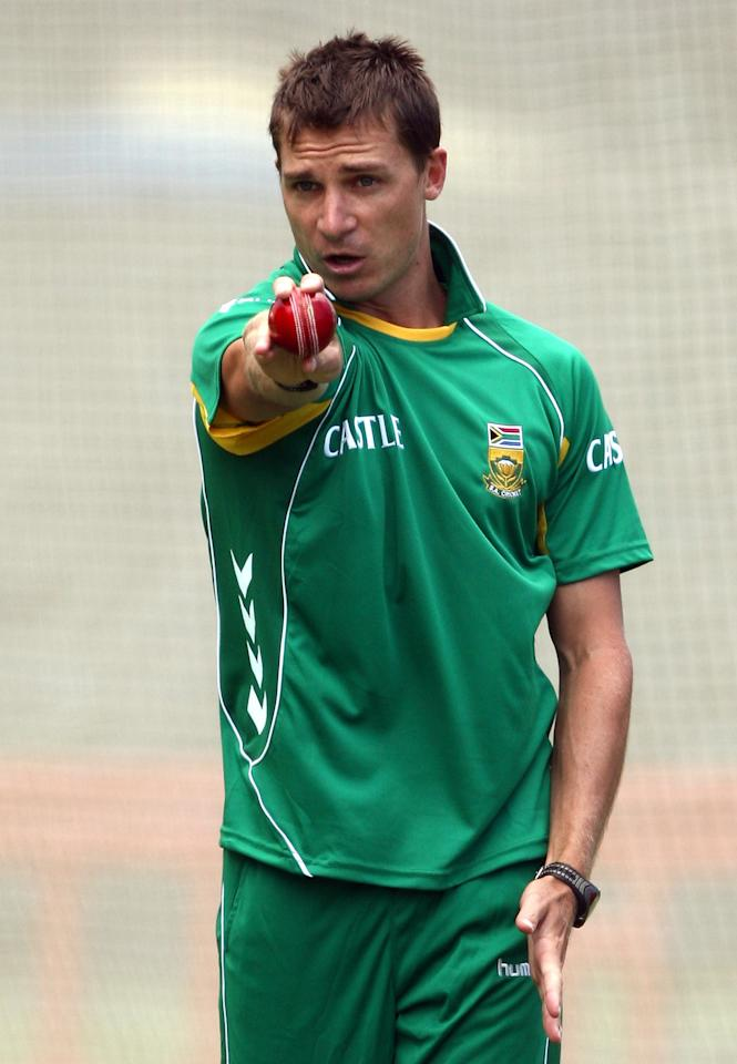 PERTH, AUSTRALIA - DECEMBER 10:  Dale Steyn of the South Africa prepares to bowl during a South African nets session at the WACA on December 10, 2008 in Perth, Australia.  (Photo by Paul Kane/Getty Images)