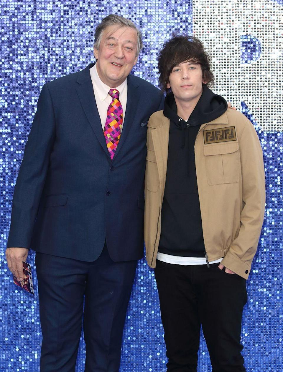 "<p>The couple met in 2014 and apparently hit it off. <em><a href=""https://www.thesun.co.uk/tvandshowbiz/5038334/stephen-fry-husband-elliott-spencer-age/"" rel=""nofollow noopener"" target=""_blank"" data-ylk=""slk:The Sun"" class=""link rapid-noclick-resp"">The Sun</a></em> reports that they were married in 2015.</p>"