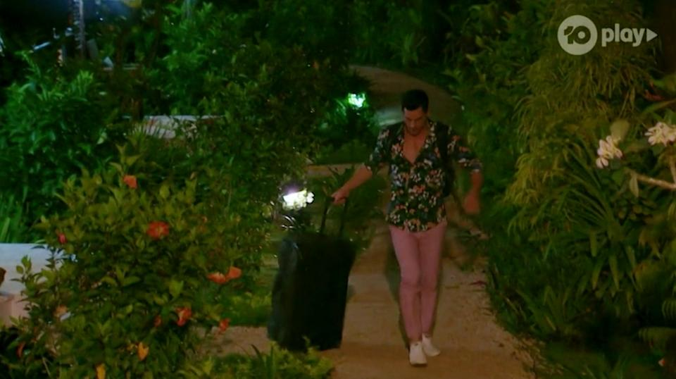 bachelor in paradise jamie packing bags