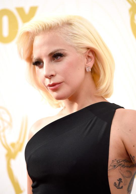 <p>Never afraid to change up her look when it comes to beauty, Gaga went for a blonde bob at the Emmys. <i>(Photo: Getty Images)</i></p>