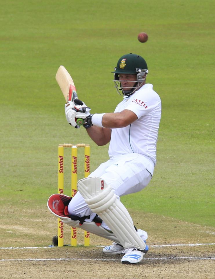 South Africa's Jacques Kallis ducks under a short ball during the fourth day of the second test cricket match against India in Durban, December 29, 2013. REUTERS/Rogan Ward (SOUTH AFRICA - Tags: SPORT CRICKET)