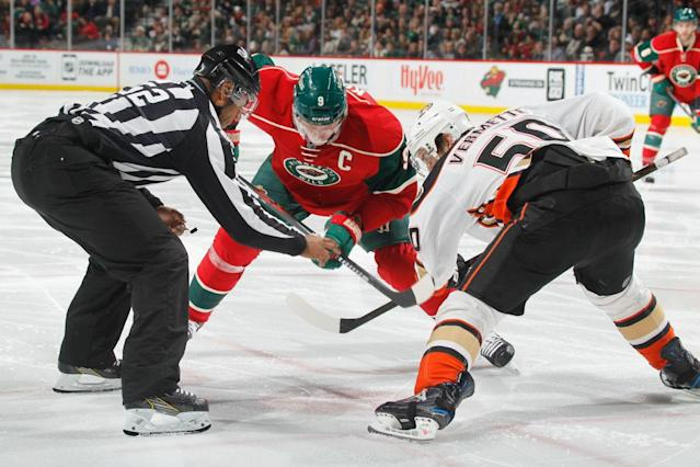 "ST. PAUL, MN – FEBRUARY 14: Antoine Vermette #50 of the <a class=""link rapid-noclick-resp"" href=""/nhl/teams/ana/"" data-ylk=""slk:Anaheim Ducks"">Anaheim Ducks</a> takes a face-off against <a class=""link rapid-noclick-resp"" href=""/nhl/players/2842/"" data-ylk=""slk:Mikko Koivu"">Mikko Koivu</a> #9 of the <a class=""link rapid-noclick-resp"" href=""/nhl/teams/min/"" data-ylk=""slk:Minnesota Wild"">Minnesota Wild</a> during the game on February 14, 2017 at the Xcel Energy Center in St. Paul, Minnesota. (Photo by Bruce Kluckhohn/NHLI via Getty Images)"