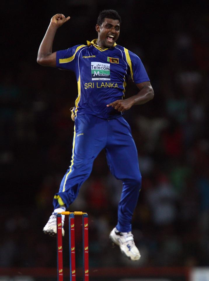 COLOMBO, SRI LANKA - JUNE 16:  Sri Lankan's bowler Thisara Perera celebrates after taking the wicket of Pakisthan batsman Shahid Afridil during the fourth one day international match between Sri Lanka and Pakistan at R. Premadasa Stadium on June 16, 2012 in Colombo, Sri Lanka.  (Photo by Buddhika Weerasinghe/Getty Images)