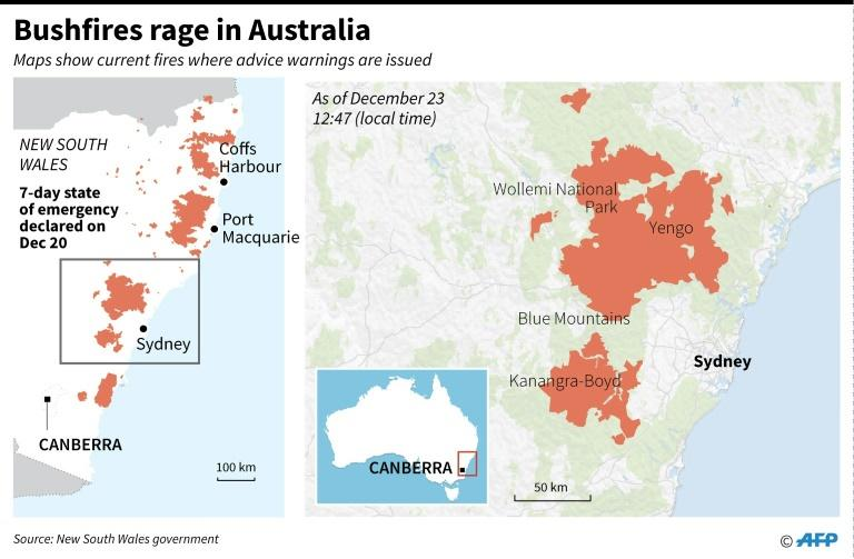 Maps showing large bushfires on Australia's East coast as of Dec 23