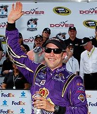 Tires trip Johnson as Kenseth wins Dover