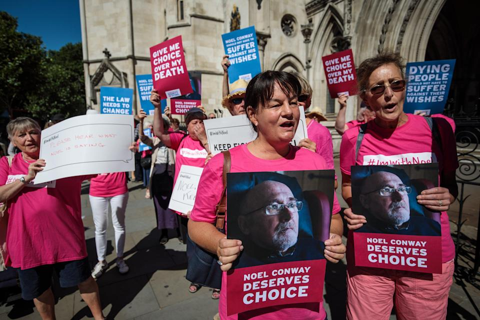 Dignity in Dying activists outside the Royal Courts of Justice (Getty)