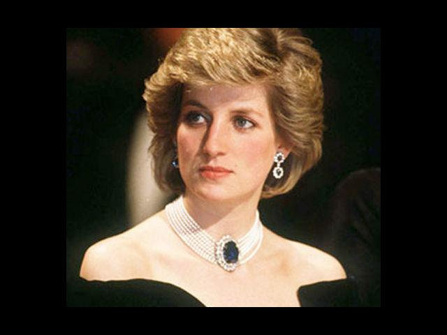<b>4. Princess Diana of Wales</b><br> Her signature style and benevolence are still remembered with great reverence. Princess Diana was not royalty since birth and only gained her royal status after her marriage to Prince Charles. Owing to her charisma and charm, she is still regarded as one of the most photographed women of the world.