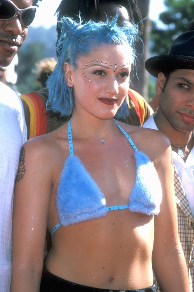 <p>In 1998, Stefani arrived to MTV Video Music Awards with blue hair. </p>