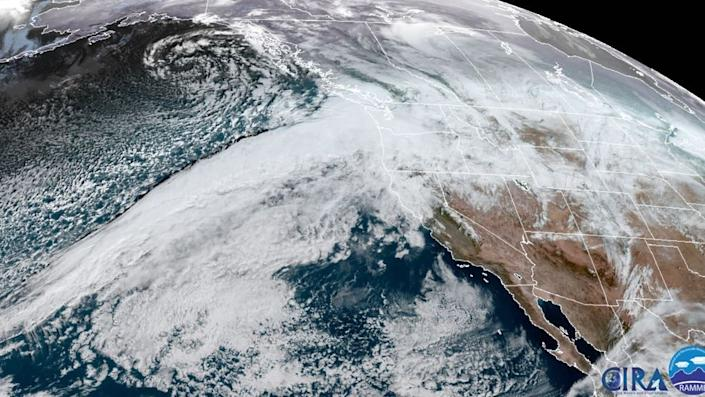 Image of AR into Pac NW - NOAA CIRA
