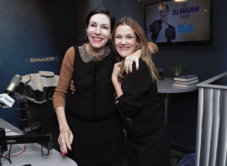Drew Barrymore and her sister-in-law Jill Kargman. (Photo: Getty Images)