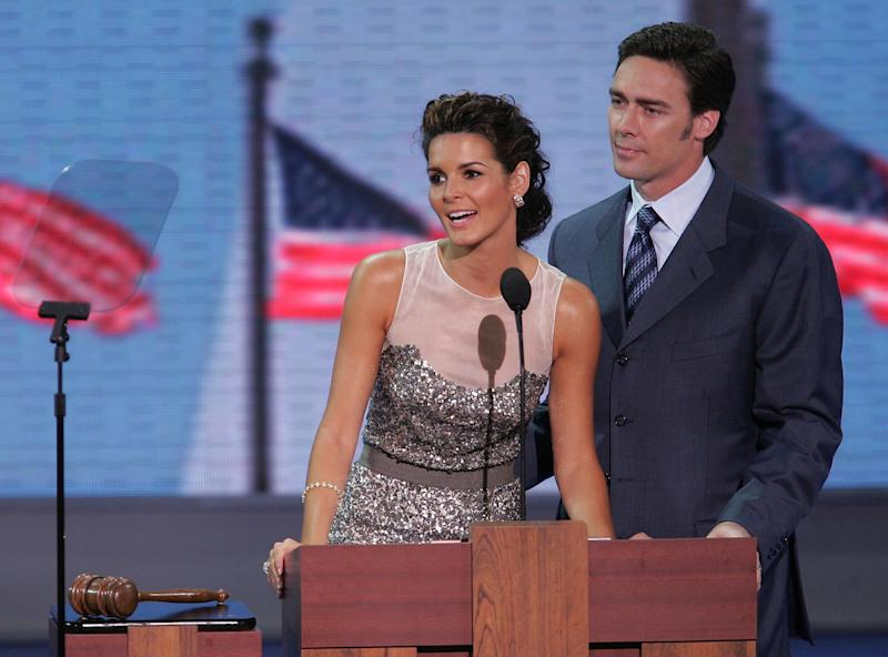 NEW YORK - AUGUST 30: Actress Angie Harmon and her husband, NFL player Jason Sehorn, speak during the evening session of day one of the 2004 Republican National Convention August 30, 2004 at Madison Square Garden in New York City. (Photo by Alex Wong/Getty Images)