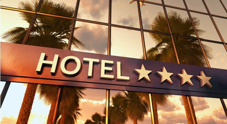 Best REITs to Buy: Host Hotels and Resorts Inc (HST)