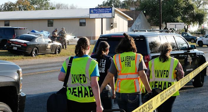 <p>Texas Department of Public Safety troopers and emergency workers outside the First Baptist Church in Sutherland Springs, Texas, Nov. 5, 2017. (Photo: R. Tomas Gonzalez/EPA-EFE/REX/Shutterstock) </p>