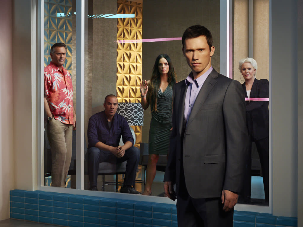 """Bruce Campbell as Sam Axe, Coby Bell as Jesse Porter, Gabrielle Anwar as Fiona Glenanne, Jeffrey Donovan as Michael Westen, and Sharon Gless as Madeline Westen in """"Burn Notice"""" Season 7."""