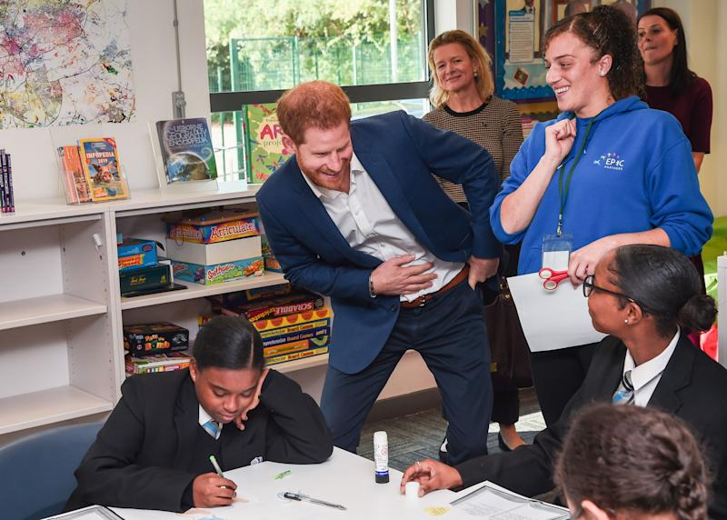 Britain's Prince Harry, Duke of Sussex, meets students during a visit to Nottingham Academy on October 10, 2019 in Nottingham, central England to mark World Mental Health Day. (Photo by Eamonn M. McCormack / POOL / AFP) (Photo by EAMONN M. MCCORMACK/POOL/AFP via Getty Images)
