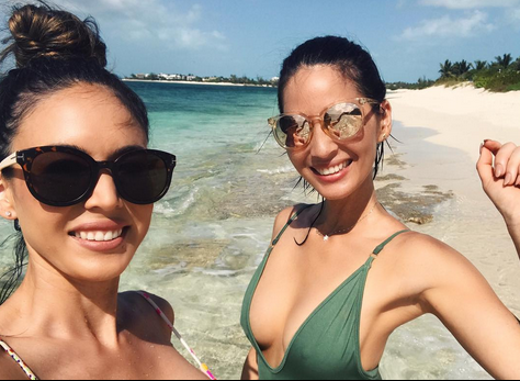 Decisions, decisions! Stay by the private pool, or go romp on the beach and stare out at the Caribbean Sea? It pays to be a celebrity — or to be in a celeb entourage. (Photo: Olivia Munn via Instagram)