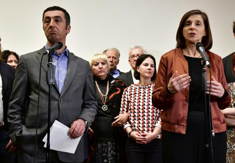 Leaders of the German Green Party Katrin Goering-Eckardt (R) and Cem Ozdemir deplored the collapse of exploratory talks on forming a new government