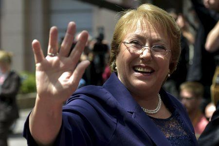 Chile's President Michelle Bachelet arrives at the EU-CELAC Latin America summit in Brussels, Belgium June 10, 2015. REUTERS/Eric Vidal