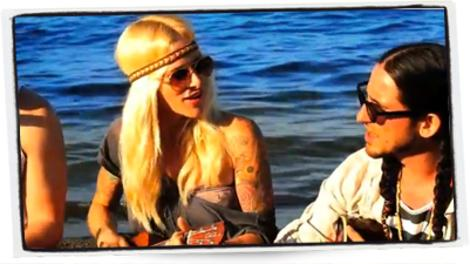 Sarah Blackwood of Walk off the Earth looks effortlessly cool in their