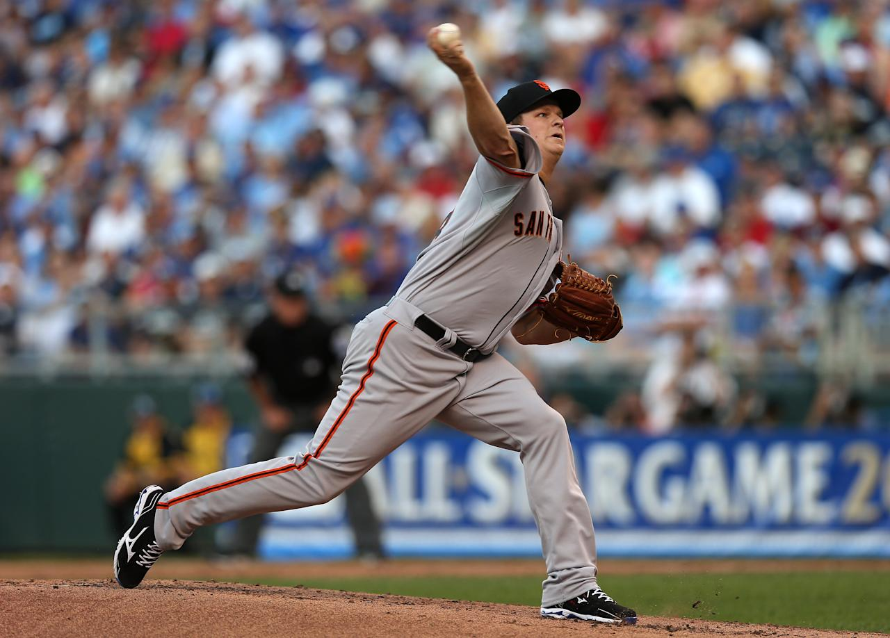 KANSAS CITY, MO - JULY 10:  National League All-Star Matt Cain #18 of the San Francisco Giants pitches in the first inning during the 83rd MLB All-Star Game at Kauffman Stadium on July 10, 2012 in Kansas City, Missouri.  (Photo by Jonathan Daniel/Getty Images)