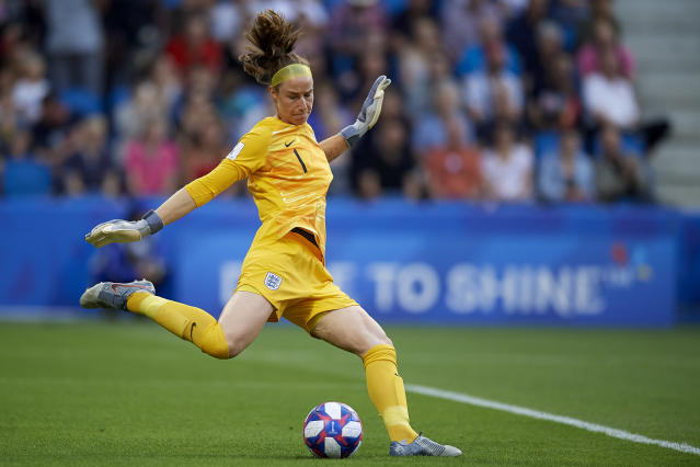 Karen Bardsley (Manchester City WFC) of England does passed during the 2019 FIFA Women's World Cup France Quarter Final match between Norway and England at on June 27, 2019 in Le Havre, France. (Photo by Jose Breton/NurPhoto via Getty Images)