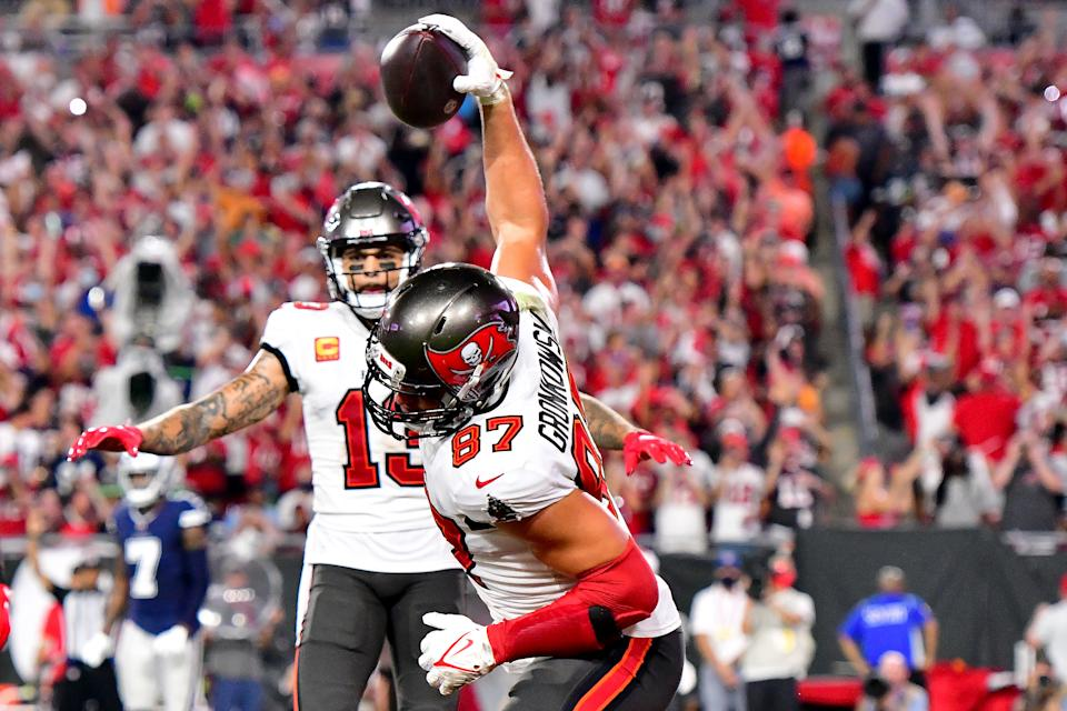 TAMPA, FLORIDA - SEPTEMBER 09: Rob Gronkowski #87 of the Tampa Bay Buccaneers celebrates his touchdown  against the Dallas Cowboys during the second quarter at Raymond James Stadium on September 09, 2021 in Tampa, Florida. (Photo by Julio Aguilar/Getty Images)