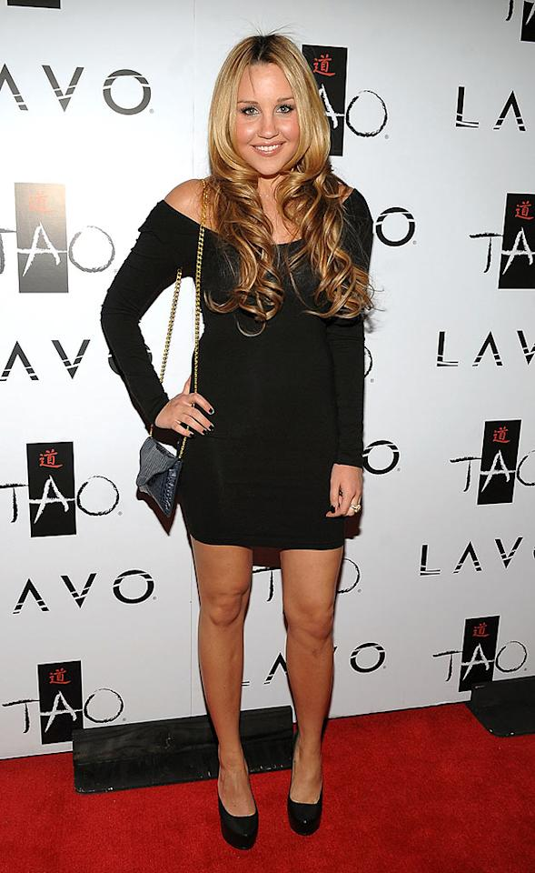 "Amanda Bynes strutted her stuff in a black off-the-shoulder mini and patent platform pumps. Jamie McCarthy/<a href=""http://www.wireimage.com"" target=""new"">WireImage.com</a> - October 3, 2009"