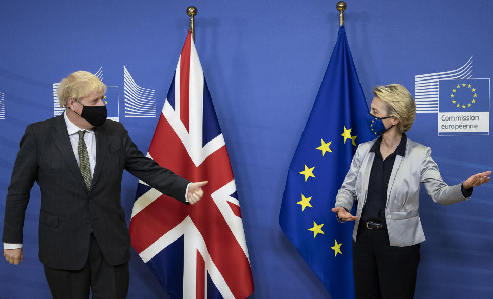 BRUSSELS, BELGIUM - DECEMBER 09: Prime Minister Boris Johnson and European Commission president Ursula von der Leyen meet for a dinner during they will try to reach a breakthrough on a post-Brexit trade deal on December 9, 2020 in Brussels, Belgium. The British prime minister's visit marked his most high-profile involvement in the talks over a post-Brexit trade deal, which has remained elusive despite months of EU and UK negotiating teams shuttling between London and Brussels. (Photo by Aaron Chown - WPA Pool/Getty Images)
