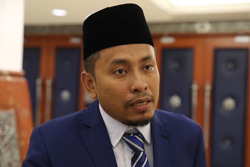 Ahmad Fadhli, when met in Parliament, said SPV projections seemed 'too good to be true'. — Picture by Yusof Mat Isa