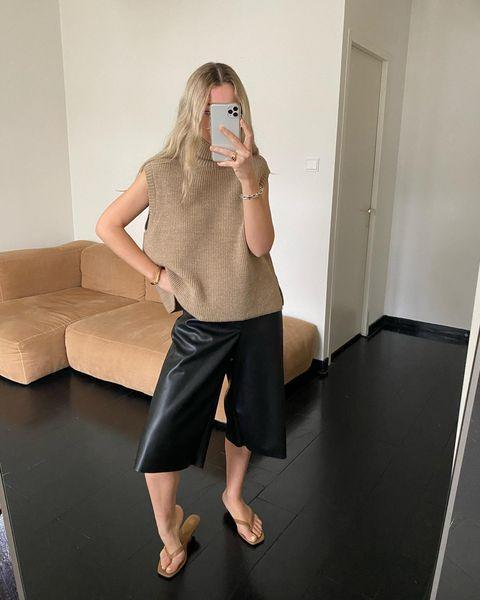 """<p>Long shorts are the easiest way to dress down leather.</p><p><a class=""""link rapid-noclick-resp"""" href=""""https://go.redirectingat.com?id=127X1599956&url=https%3A%2F%2Fwww.cosstores.com%2Fen_gbp%2Fwomen%2Fwomenswear%2Fshorts%2Fproduct.leather-high-waisted-wide-leg-shorts-black.0928970001.html&sref=https%3A%2F%2Fwww.elle.com%2Fuk%2Ffashion%2Fg29844296%2Fcasual-clothes%2F"""" rel=""""nofollow noopener"""" target=""""_blank"""" data-ylk=""""slk:SHOP NOW"""">SHOP NOW</a></p><p><a href=""""https://www.instagram.com/p/CKRyXSKMUL_/"""" rel=""""nofollow noopener"""" target=""""_blank"""" data-ylk=""""slk:See the original post on Instagram"""" class=""""link rapid-noclick-resp"""">See the original post on Instagram</a></p>"""
