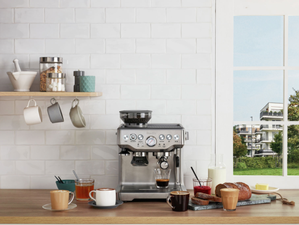 Save $180 on this Breville Barista Express espresso machine, plus more of this week's top deal (Photo via Best Buy Canada).