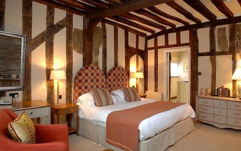 The Swan at Lavenham, Suffolk bedroom image