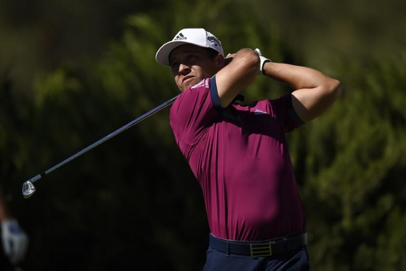Schauffele's birdie blitz gives him lead in Las Vegas