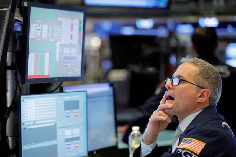 Apple sparks Wall Street bounce ahead of results