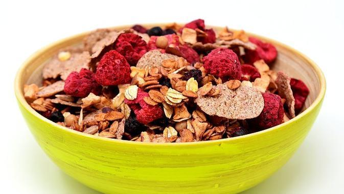 Muesli (Image by ��Merry Christmas �� from Pixabay)