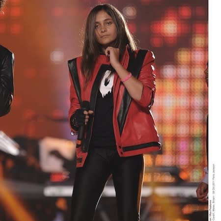 Paris Jackson apologises to family members