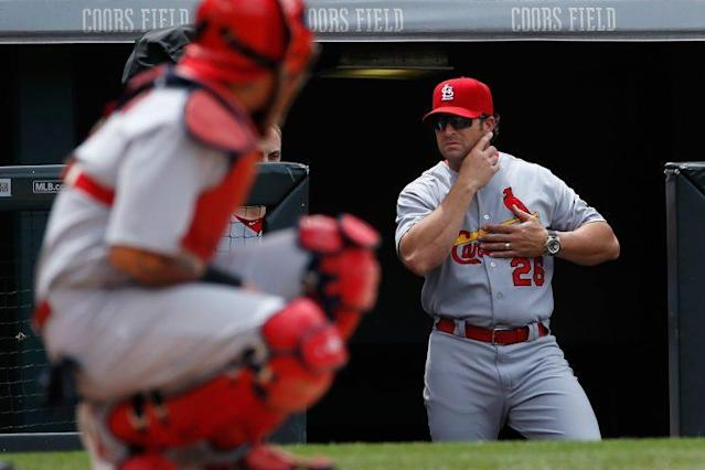 "Mike Matheny (right) and <a class=""link rapid-noclick-resp"" href=""/mlb/players/7345/"" data-ylk=""slk:Yadier Molina"">Yadier Molina</a> aren't seeing eye-to-eye. (Getty)"