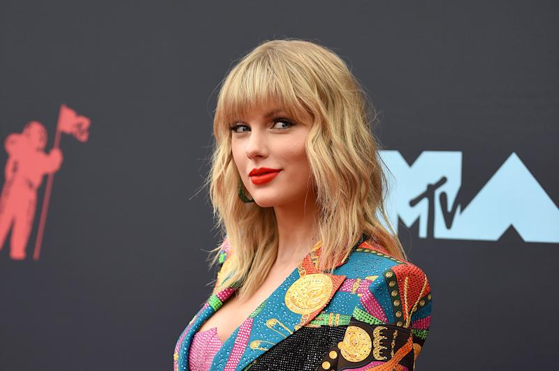Taylor Swift is the Mega Mentor for 'The Voice' Season 17!