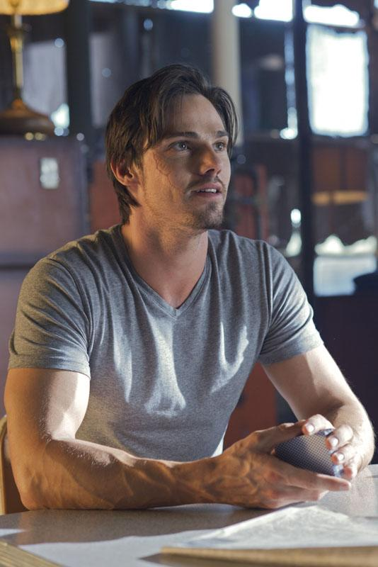 """Jay Ryan as Vincent in the """"Beauty and the Beast"""" episode, """"Saturn Returns."""""""