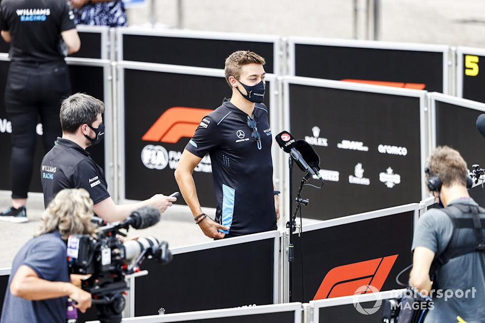 """George Russell, Williams Racing con los medios<span class=""""copyright"""">Andy Hone / Motorsport Images</span>"""