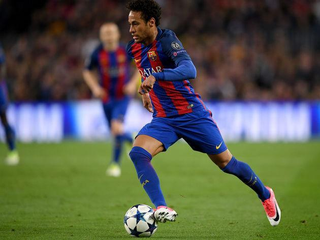 Barcelona star attacker Neymar is one of the flashiest players in the game today. The Brazilian possesses an array of skills that can leave any defender floored when he's really up to it - and he usually is. Yet it was the 25-year-old himself who was left to clean his bum after falling over a football in attempts to perform some mad tekkers for the camera. Viewers certainly did not expect to see this, but it happened anyway. Neymar lifts the football and it seems like its going to be a real...